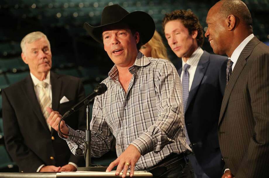 Singer Clay Walker addresses the media during the announcement for a benefit concert to raise funds and awareness for the Greater Houston Storm Relief Fund at Lakewood Church Monday, May 9, 2016, in Houston. ( Elizabeth Conley / Houston Chronicle ) Photo: Elizabeth Conley, Staff / © 2016 Houston Chronicle