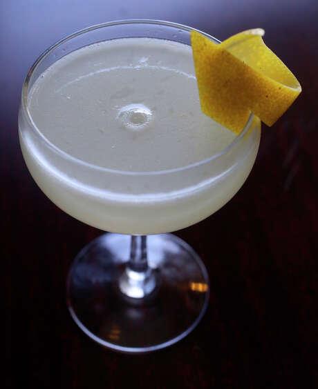 A Vieux Mot made with gin by bartender Roy Dutton at the Paramour bar. Photo: John Davenport /San Antonio Express-News / ©San Antonio Express-News/John Davenport