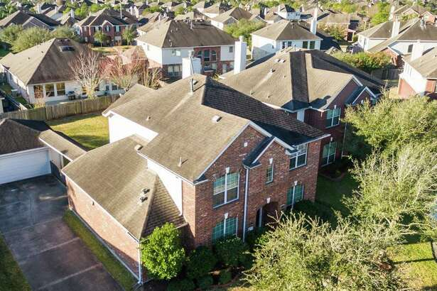 11402 Sailwing Creek    Size : 2,851 square feet  Bedrooms : 4