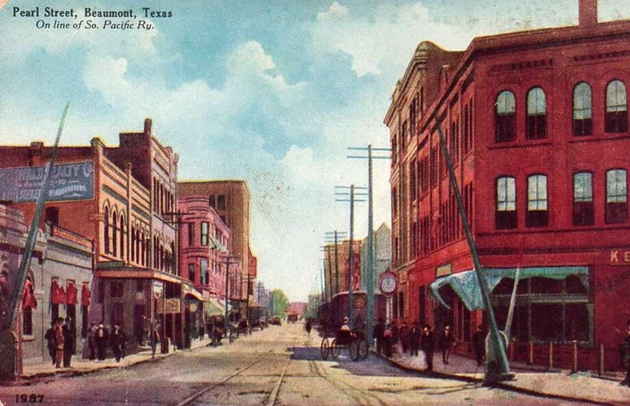 Pearl Street in downtown Beaumont was once a popular destination for shoppers. The area became obsolete as Beaumont expanded west and north and new businesses opened in those areas. Photo provided by Jim Broussard Photo: Enterprise File