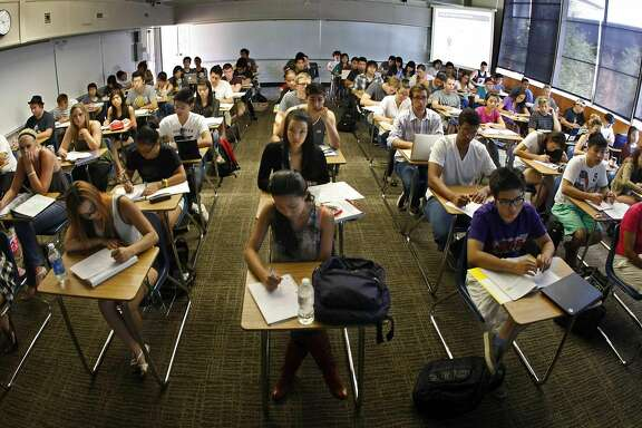 "Every desk is taken in professor Jeanne Neil's Accounting 101 classroom at Orange Coast Community College in Costa Mesa, California, on September 10, 2011. She said dozens more students were left on the ""wait list"" after the beginning business course reached capacity enrollment. (Don Bartletti/Los Angeles Times/MCT)"