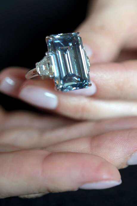 The late Sir Philip Oppenheimer had chosen this 14.62-carat diamond for his wife. Photo: Martial Trezzini / Associated Press / KEYSTONE