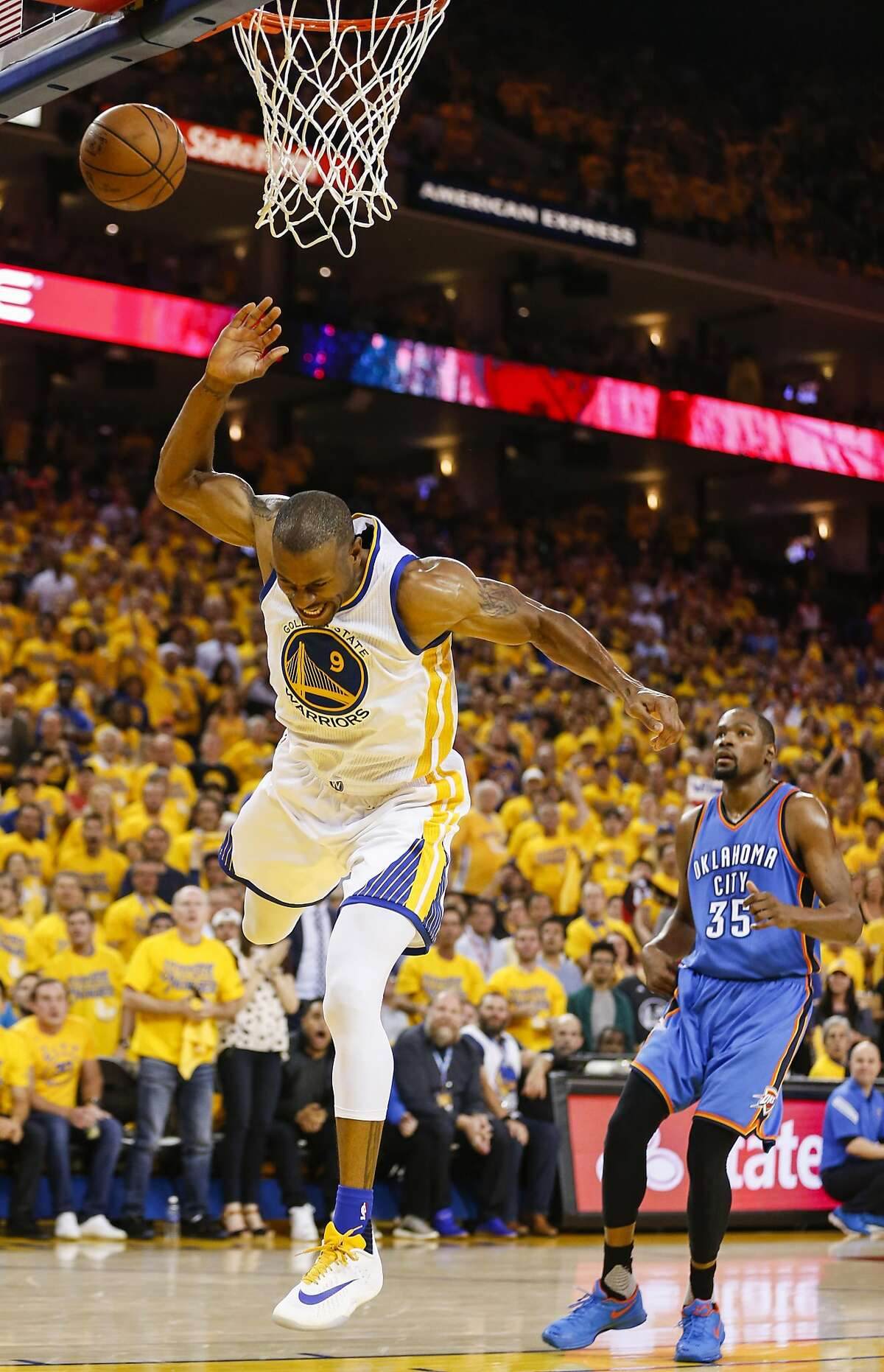 Golden State Warriors� Andre Iguodala goes up for a no look layup in the second quarter during Game 2 of the NBA Western Conference Finals at Oracle Arena on Wednesday, May 18, 2016 in Oakland, Calif.