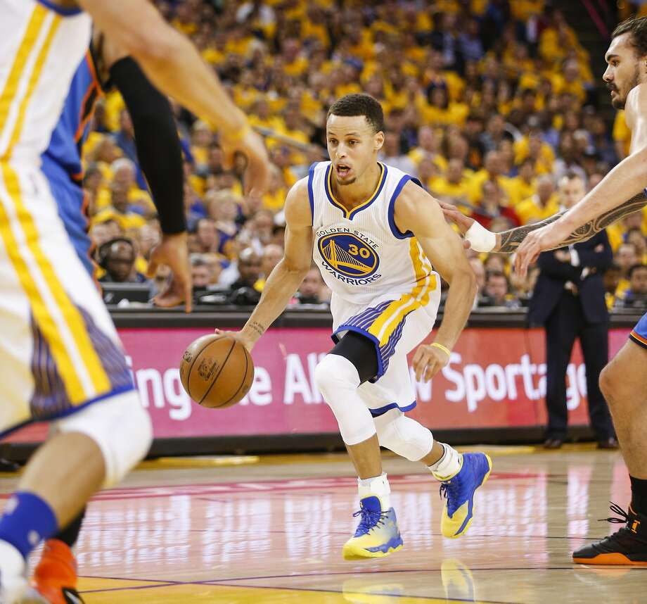 Golden State Warriors� Stephen Curry drives in the first quarter during Game 2 of the NBA Western Conference Finals at Oracle Arena on Wednesday, May 18, 2016 in Oakland, Calif. Photo: Scott Strazzante, The Chronicle