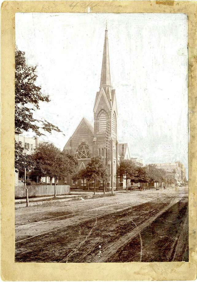 First Baptist Church, circa 1910, located at Walker and Fannin. / Houston Chronicle