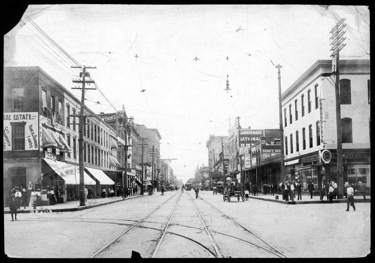 Main Street at Preston, looking north, circa 1910.