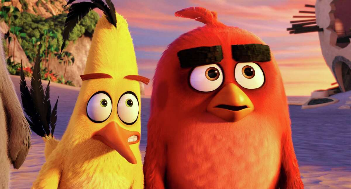 """Chuck (Josh Gad) and Red (Jason Sudeikis) on the beach in Columbia Pictures and Rovio Animation's """"Angry Birds."""" (Rovio Animation)"""