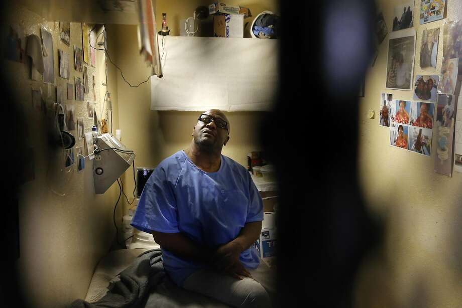 Raymond Lewis, on death row for a 2000 murder is seen inside his cell during a tour of East Block of death row at San Quentin State Prison on Tuesday December 29, 2015, in San Quentin, Calif. Photo: Michael Macor, The Chronicle