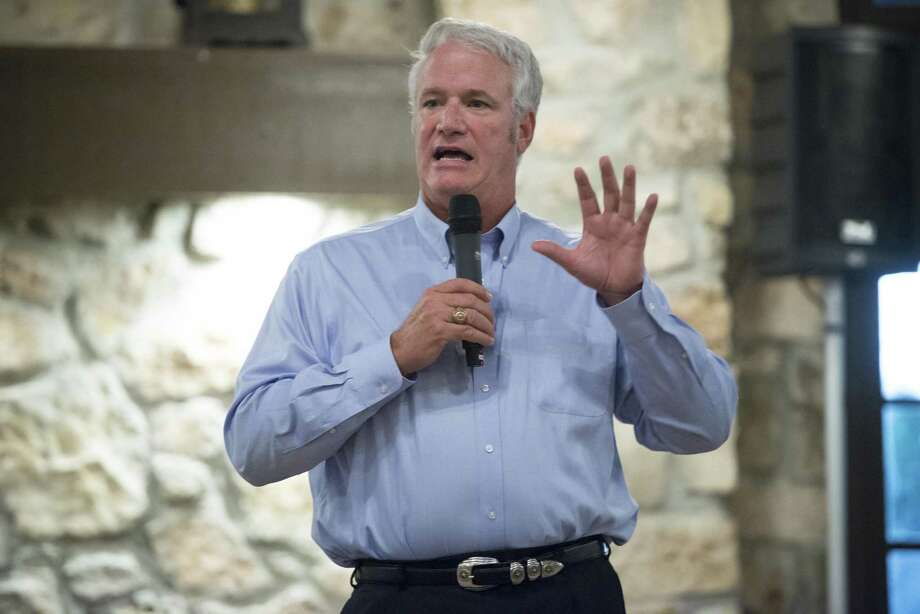 State Rep. Lyle Larson, R-San Antonio, speaking to a group in 2015, is pushing several water supply bills this legislative session. Photo: Matthew Busch /For The San Antonio Express-News / © Matthew Busch