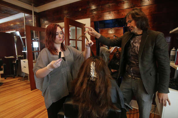 City Council on Thursday defied the recommendation of the city Zoning Commission by voting to allow local hairstylist Andrew Guerra to operate his salon on a residentially zoned property in Mahncke Park.