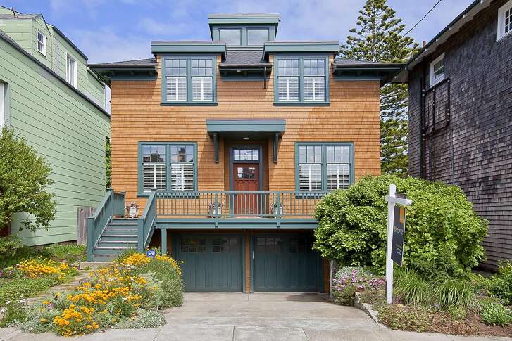 542 46th Ave. is a shingled five bedroom overlooking Ocean Beach in San Francisco's Outer Richmond district.
