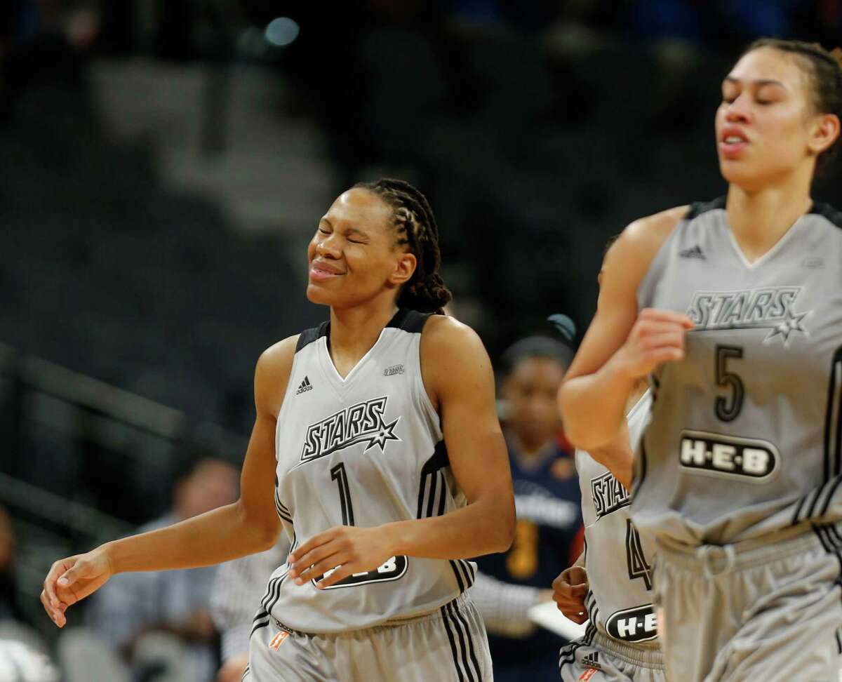 San Antonio Stars' Monique Currie reacts in closing seconds of their 72-68 loss to the Connecticut Sun at AT&T Center on May 19, 2016.