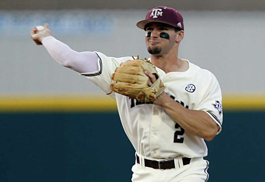 Texas A&M infielder Ryne Birk fields the ball during the sixth inning of college baseball game action against Vanderbilt at Blue Bell Park Thursday, May 5, 2016, in College Station.  ( James Nielsen / Houston Chronicle ) Photo: James Nielsen, Staff / © 2016  Houston Chronicle
