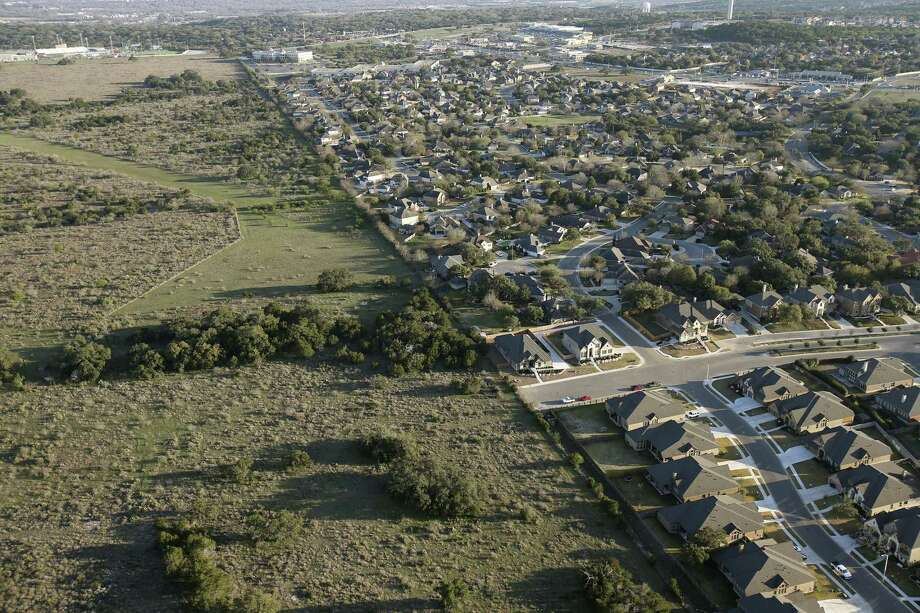 Oak Run Boulevard ends by an open field by the Oak Run subdivision in New Braunfels, Texas, Thursday, Feb. 18, 2016. Veramendi, a 2,400-acre master planned community is in the works for the undeveloped land. Photo: JERRY LARA, Staff / San Antonio Express-News / © 2016 San Antonio Express-News