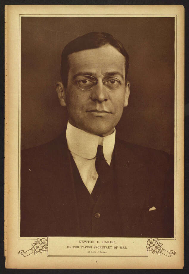 """Newton D. Baker, United States Secretary of War, 1916-1921. Library of Congress notes: """"Selected from """"The War of the Nations: Portfolio in Rotogravure Etchings,"""" published by the New York Times shortly after the 1919 armistice."""" Photo: Library Of Congress"""