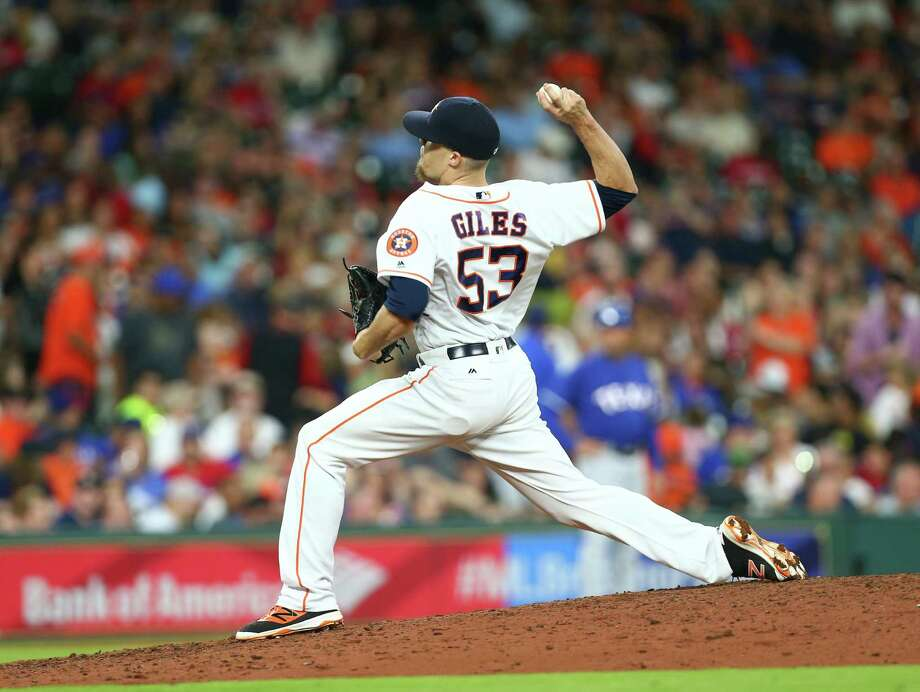 Houston Astros relief pitcher Ken Giles (53) pitches during the eighth inning of an MLB game at Minute Maid Park, Saturday, May 21, 2016, in Houston. Photo: Jon Shapley, Houston Chronicle / © 2015  Houston Chronicle