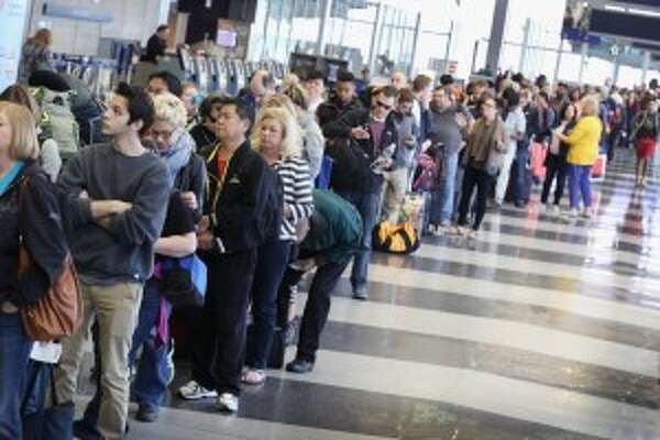 The line last week at O'Hare (Associated Press)