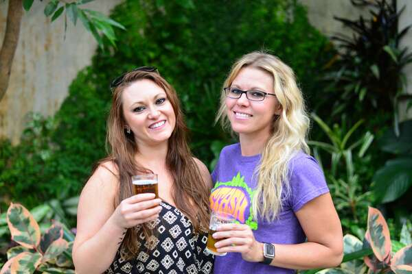 Flowers and beer are not two things that you normally think would go together. But that's just lies! Anything and beer goes together. The San Antonio Botanical Garden proved just that Saturday, May 22, 2016, during its annual Brews and Blooms event.