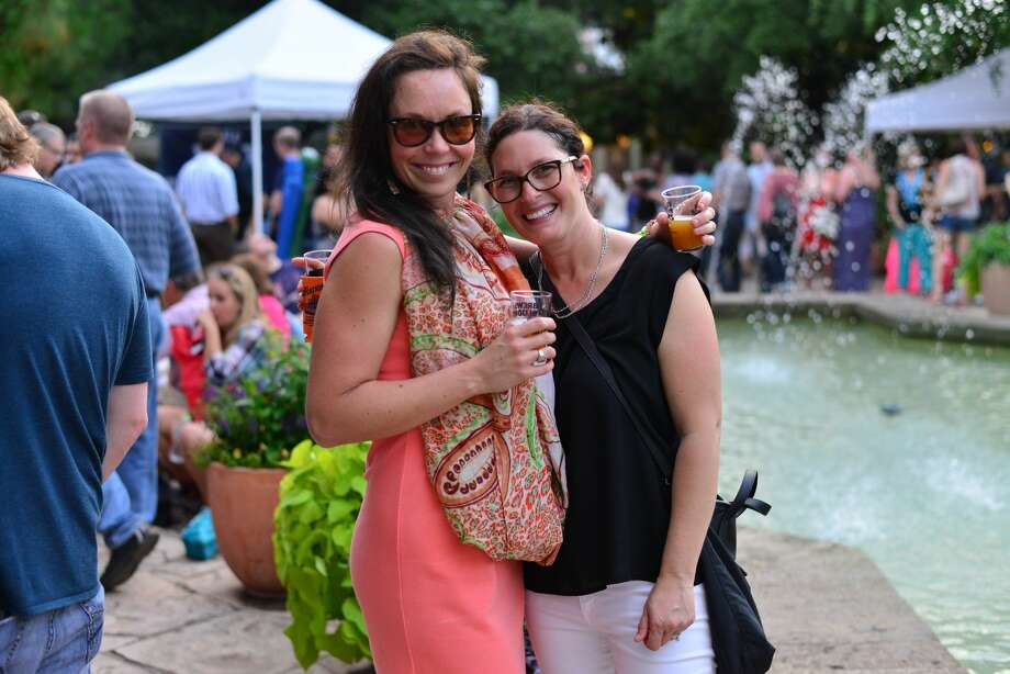 Flowers and beer are not two things that you normally think would go together. But that's just lies! Anything and beer goes together. The San Antonio Botanical Garden proved just that Saturday, May 21, 2016, during its annual Brews and Blooms event. Photo: By Kody Melton, For MySA.com