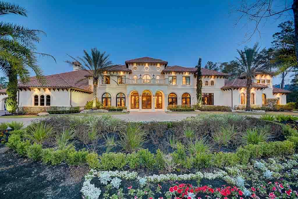 Suburban mansions dec 27 2016 houston chronicle for Houses in houston with basements
