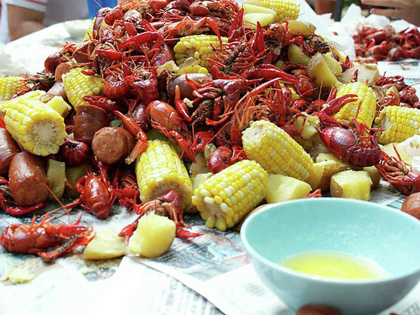 Clambakes of Connecticut garnered praise from Clinton Kelly, one of the hosts of ABC's popular television show