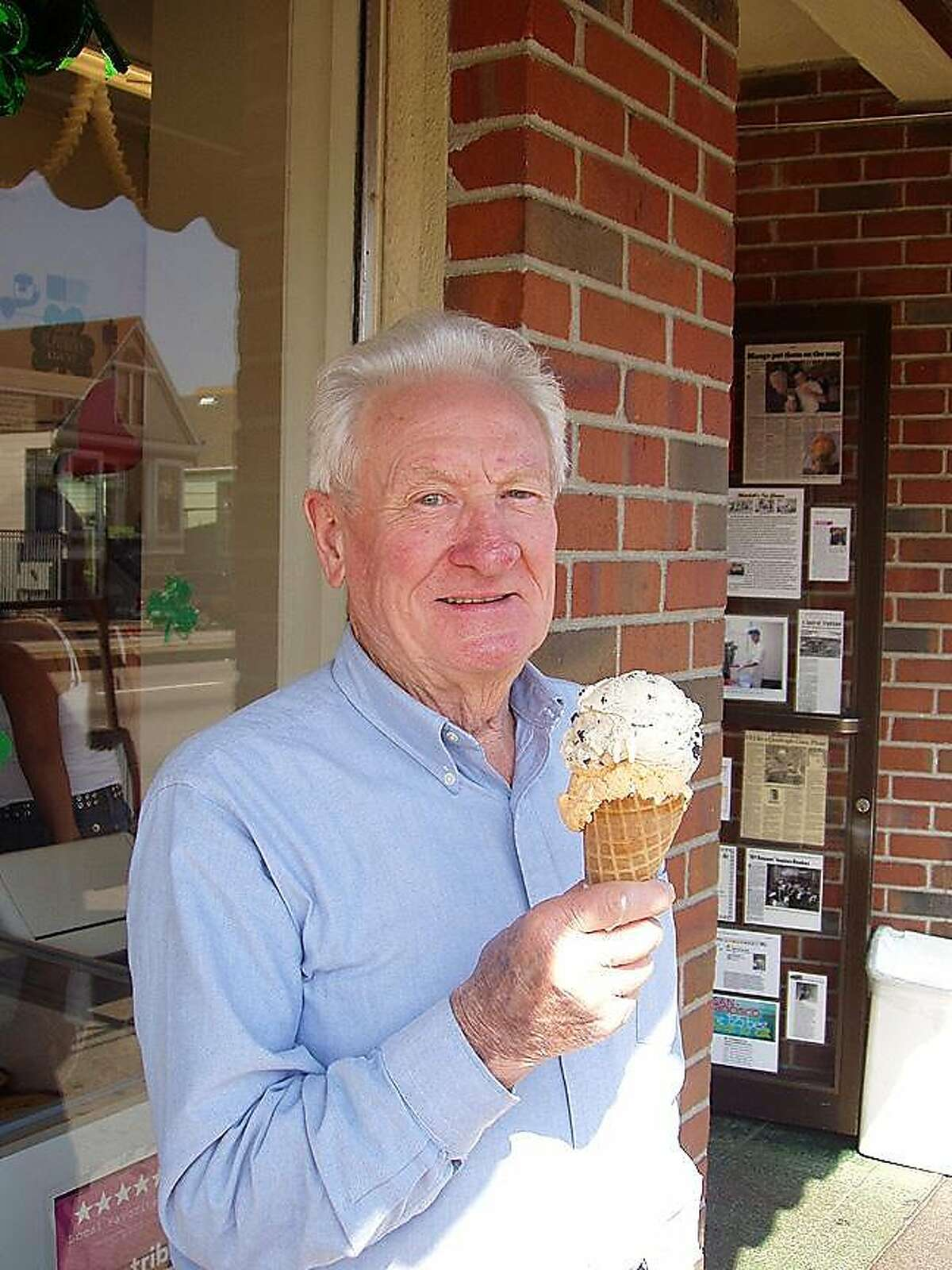 Larry Mitchell outside Mitchell's Ice Cream in 2005