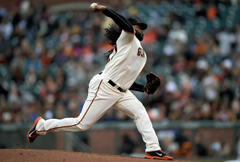 Johnny Cueto held San Diego to two hits while pitching the Giants to their second conscutive 1-0 victory. Photo: Thearon W. Henderson, Getty Images