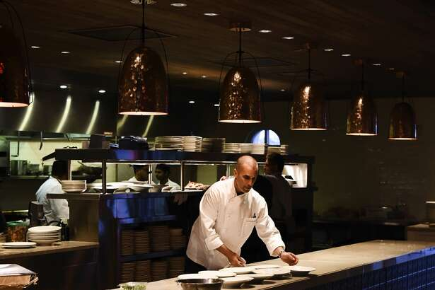 Andrew Weissman is returning to fine dining with Signature restaurant at the La Cantera Resort & Spa.