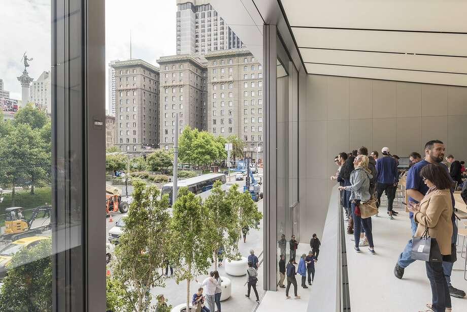 The new Apple Store at Union Square on opening day, May 21, 2016. Photo: Foster + Partners, Nigel Young