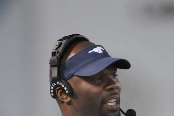 Lamar Consolidated Head Coach Ronald Patton leads his team against La Marqure. Freelance photo by Jerry Baker