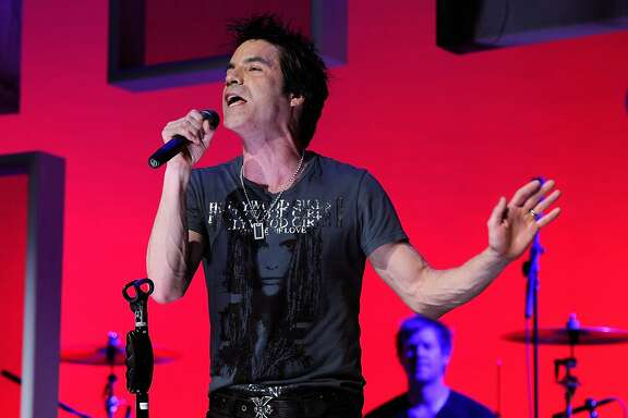Pat Monahan of Train performs onstage during the Vh1 Upfront 2010 at Pier 59 Studios on April 20, 2010 in New York City. (Photo by Larry Busacca/Getty Images)