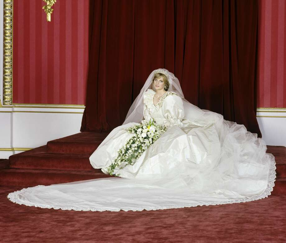 The Princess of Wales in the Throne Room at Buckingham Palace after her wedding on 29th July 1981. Photo: Lichfield/Getty Images