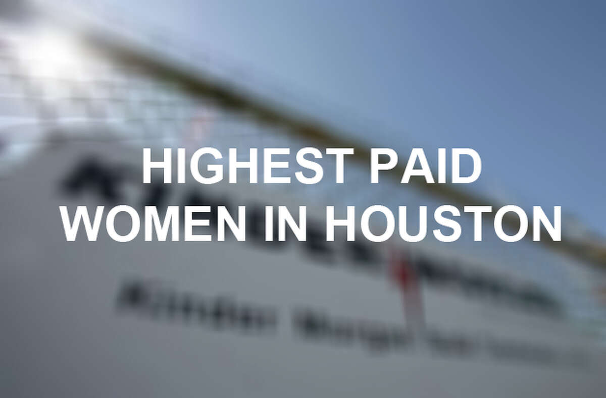 Keep clicking to see a ranking of the top 25 female executives.