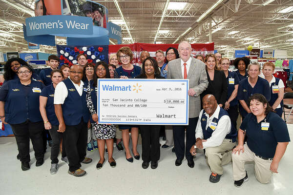 Walmart donates $10,000 in support of the San Jacinto College Centers of Excellence for Veteran Student Success. Walmart donates $10,000 in support of the San Jacinto College Centers of Excellence for Veteran Student Success.