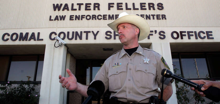 Comal County Sheriff's Capt. Mark Reynolds, shown in a 2010 file photo, is the GOP nominee for sheriff after winning a primary runoff on Tuesday. Photo: JOHN DAVENPORT /SAN ANTONIO EXPRESS-NEWS / jdavenport@express-news.net