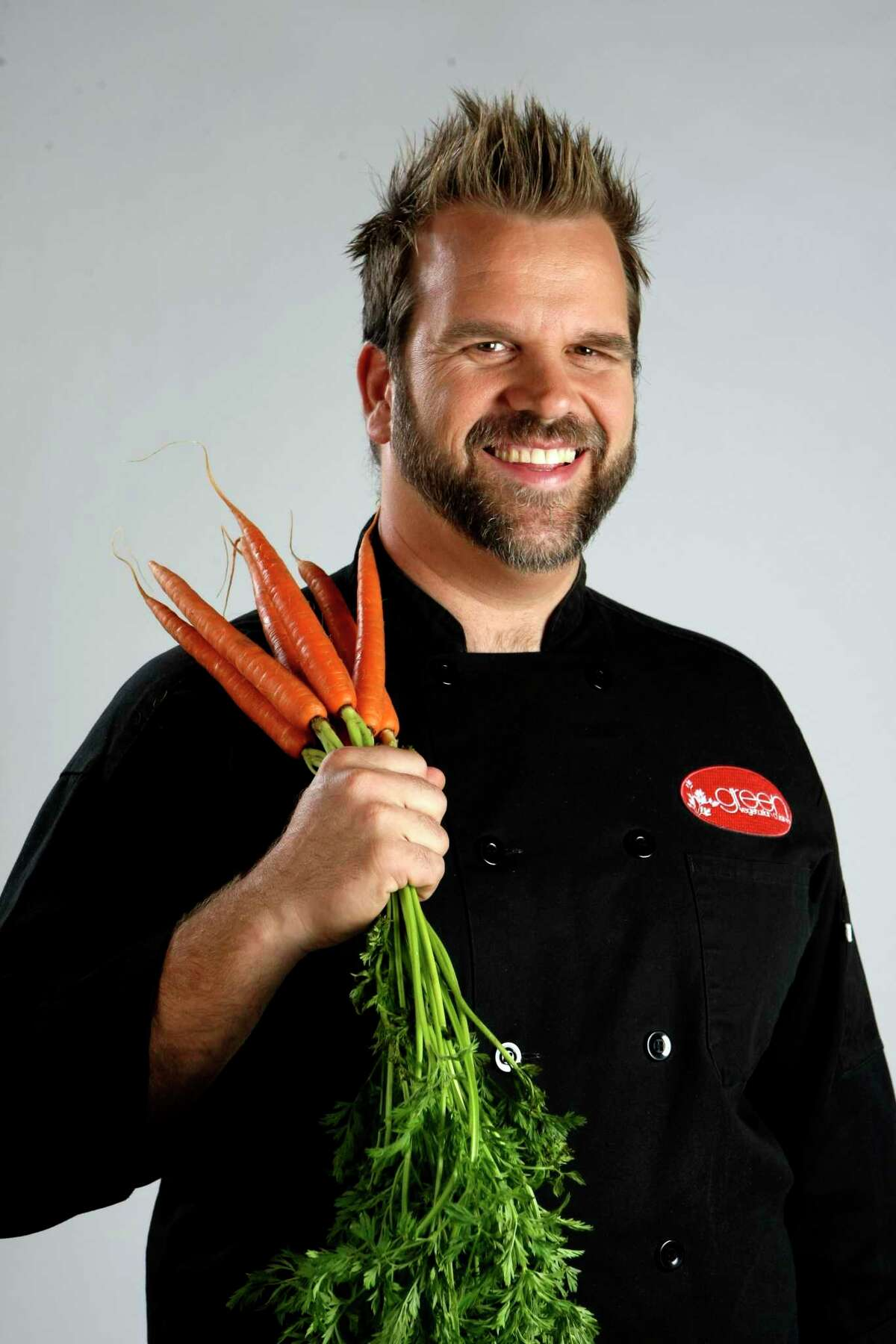 Mike Behrend, owner of Bok Choy, Green Vegetarian Cuisine and Earth Burger, is closing Bok Choy after service today.