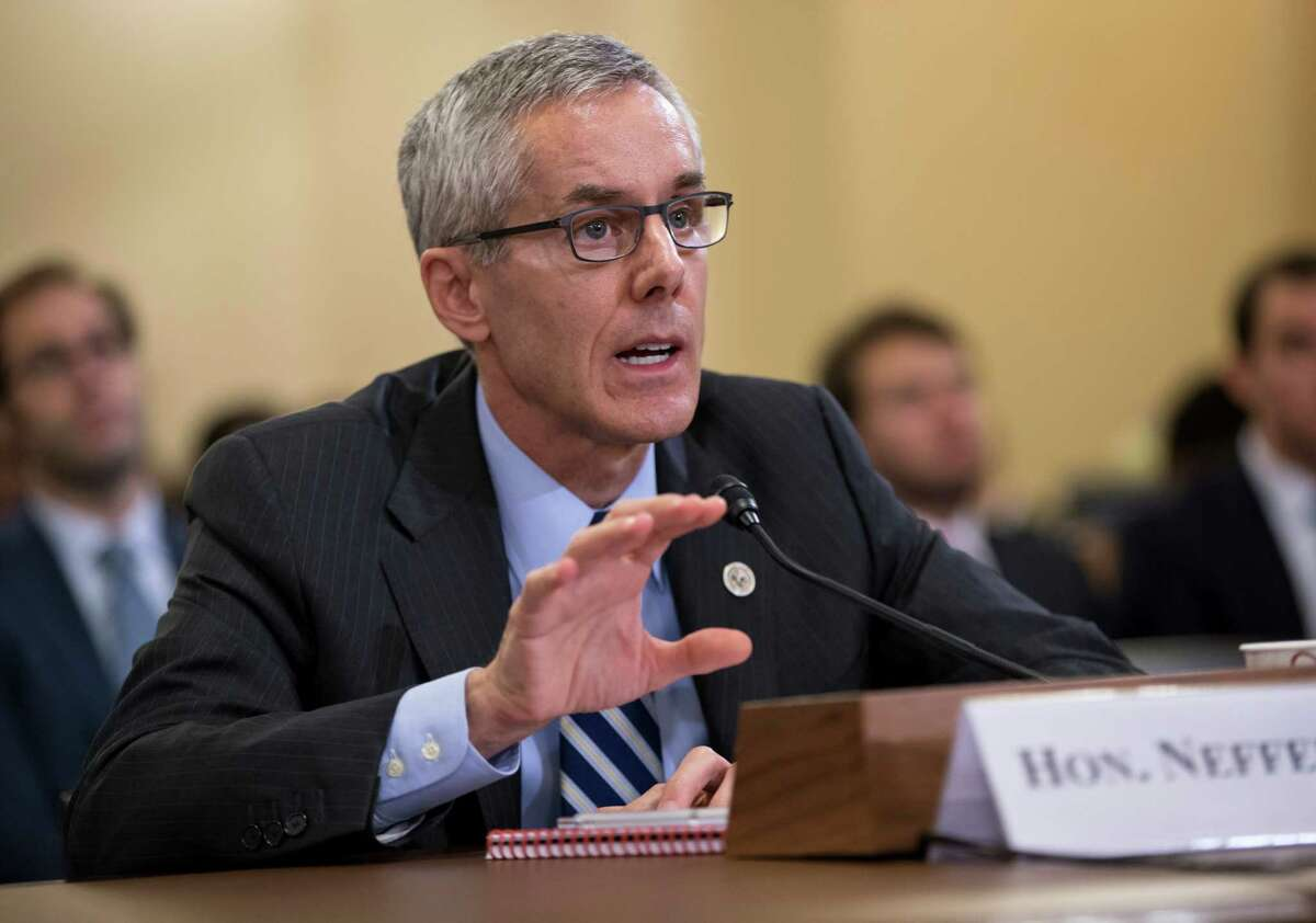 Transportation Security Administration (TSA) chief Peter Neffenger testifies on Capitol Hill in Washington, Wednesday, May 25, 2016, before the House Homeland Security Committee which is looking for answers on how to balance security with long lines at airport checkpoints. (AP Photo/J. Scott Applewhite) ORG XMIT: DCSA101