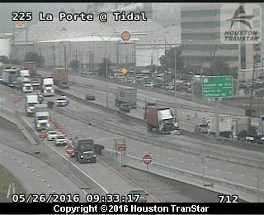La porte freeway reopens after big rig crash blocked lanes for How far is la porte tx from houston tx