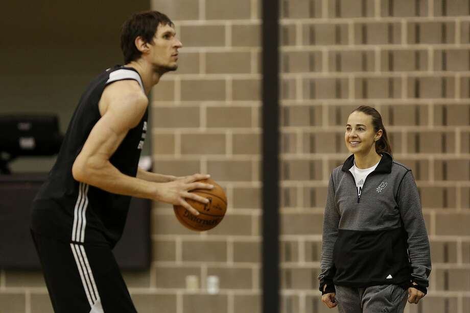 Spurs assistant coach Becky Hammon works with Boban Marjanovic at the Spurs practice facility on Wednesday, Nov. 25, 2015. Photo: Lisa Krantz, SAN ANTONIO EXPRESS-NEWS