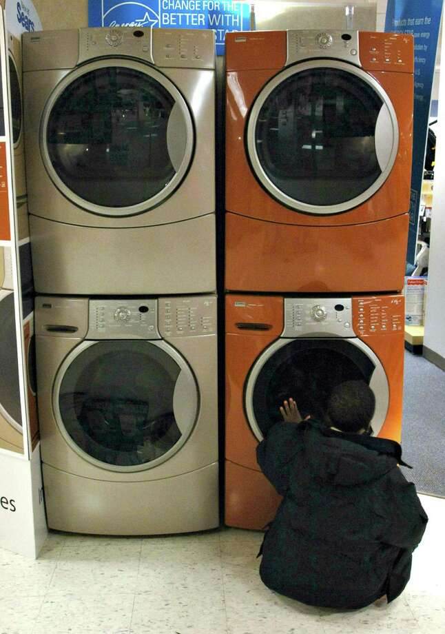 Sears may also sell two of its brands — Kenmore appliances and DieHard car batteries — after striking a deal last month to sell its popular tool brand Craftsman. Photo: Bloomberg News /File Photo