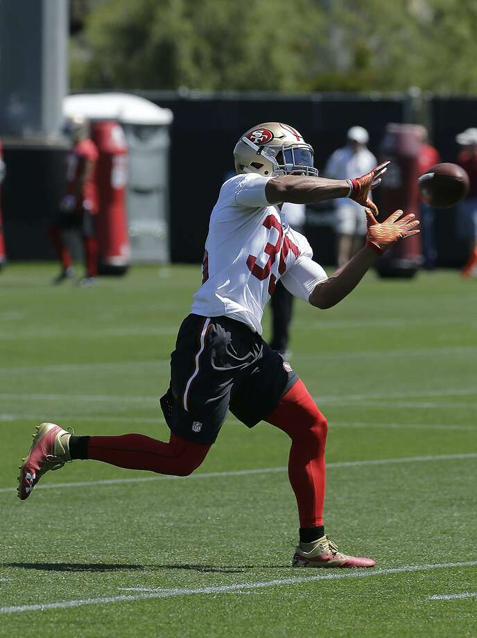 Eric Reid, who catches a ball during practice last week, had no interceptions in 2015. Photo: Jeff Chiu, Associated Press