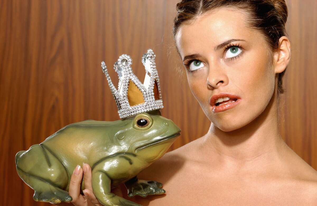 Too many toads to kiss Latina entrepreneur Nely Galánoffers tips to kill your Prince Charming.