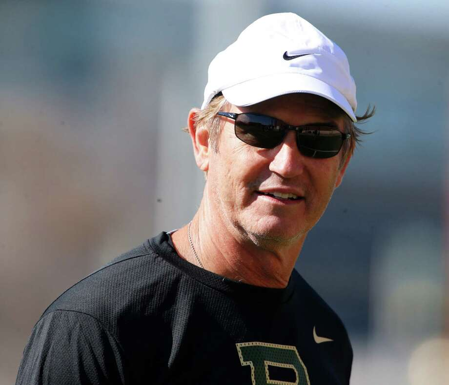 Baylor head football coach Art Briles looks on during the first day of spring football drills on Feb. 25, 2016, in Waco, Texas. Photo: Rod Aydelotte /Waco Tribune-Herald / Waco Tribune Herald
