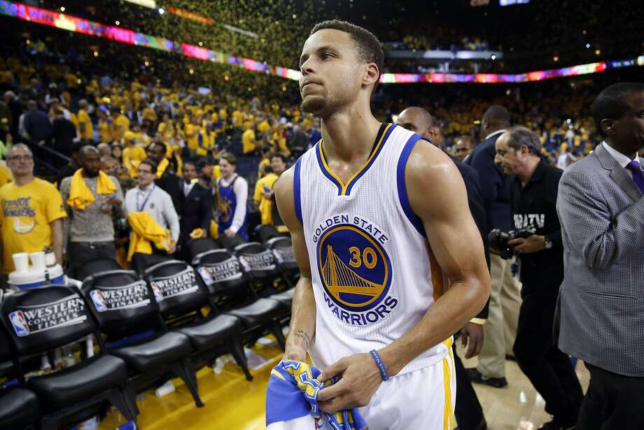 Golden State Warriors' Stephen Curry leaves the court after 120-111 win over Oklahoma Thunder in Game 5 of NBA Playoffs' Western Conference Finals at Oracle Arena in Oakland, Calif., on Thursday, May 26, 2016. Photo: Scott Strazzante, The Chronicle