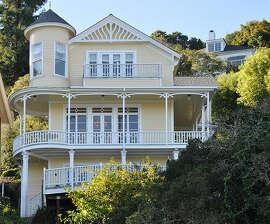 Queen Anne facade. Photos: Belvedere Waterfront.com