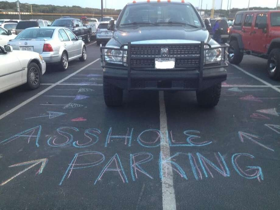 Photo showing worst parking job in Texas at Canyon Lake high