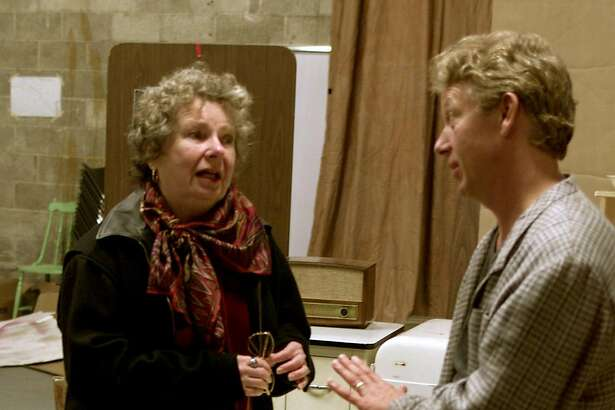 """BEAUTY15_A/C/005NOV99/DD/JLT   Actress Angela Paton (left) and director Richard Seyd refine their interpretation of Berkeley Repertory Company's """"The Beauty Queen of Leenane."""" 2025 Addison Street BY JERRY TELFER/THE CHRONICLE"""