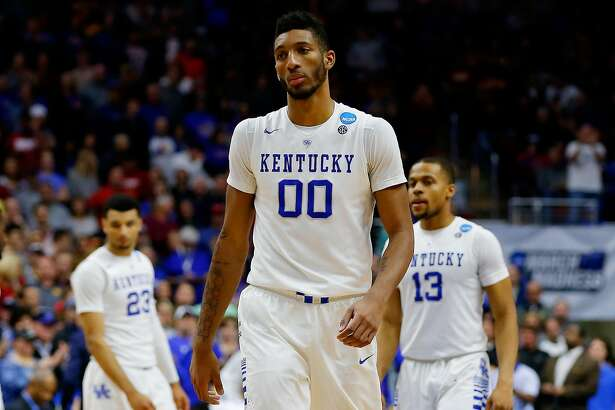 DES MOINES, IA - MARCH 19:  Marcus Lee #00 of the Kentucky Wildcats reacts after their 67 to 73 loss to the Indiana Hoosiers during the second round of the 2016 NCAA Men's Basketball Tournament at Wells Fargo Arena on March 19, 2016 in Des Moines, Iowa.  (Photo by Kevin C. Cox/Getty Images)