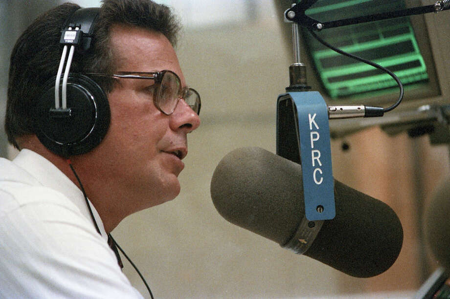 KPRC-TV personality Doug Johnson on his new radio show in 1986. Photo: John Everett, Houston Chronicle