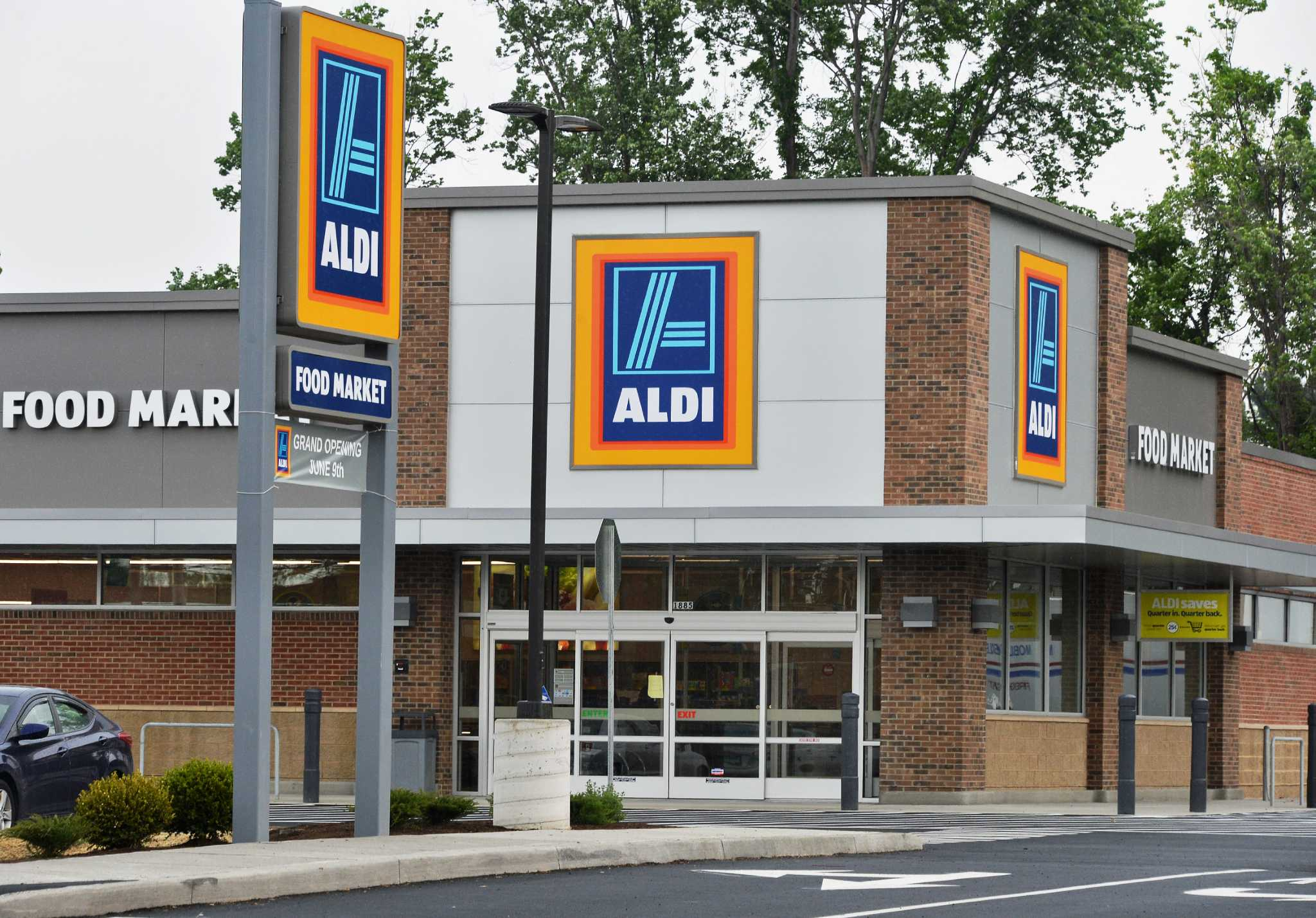 grand opening is june 9 at aldi store in colonie times union. Black Bedroom Furniture Sets. Home Design Ideas